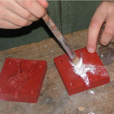Figurines en plomb mode d 39 emploi for Comment enlever du silicone sec